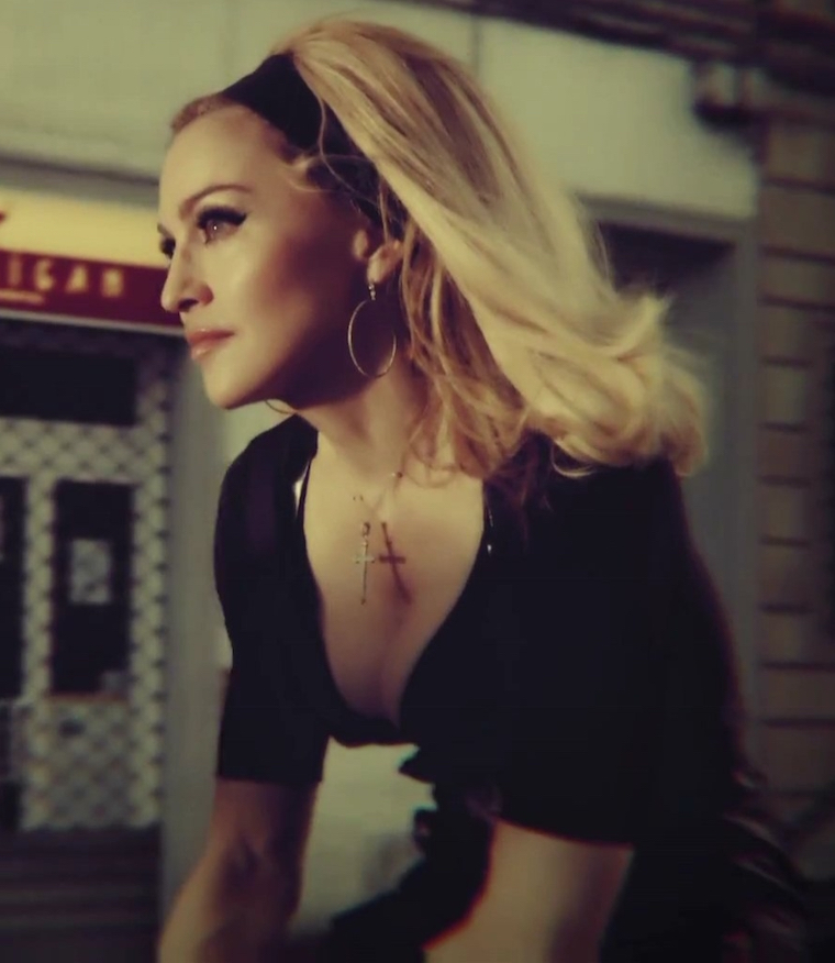 madonna-turn-up-the-radio-video-cap-0100