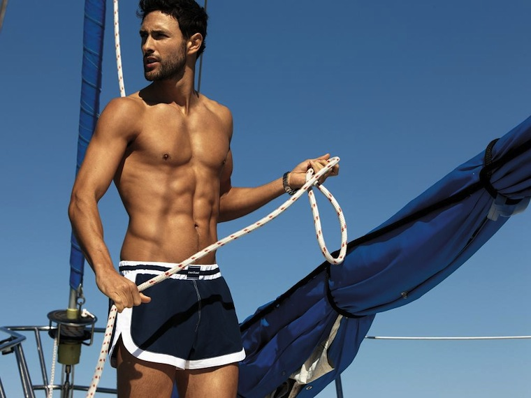 Hunk of the Day: Noah Mills