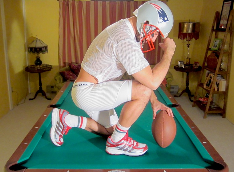 12tebowing1