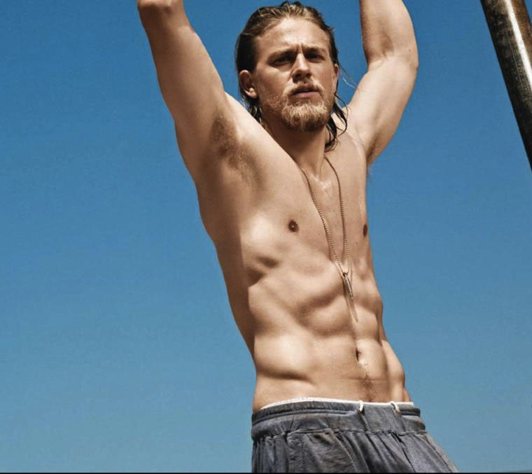 charlie hunnam shirtless 1