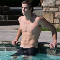 Liam Hemsworth shirtless