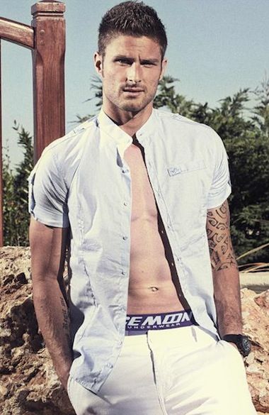 Arsenals Olivier Giroud poses naked for charity calendar