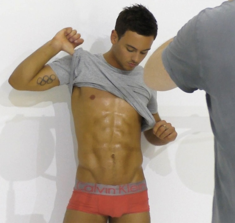 tom daley bulge 001