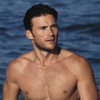 Scott Eastwood shirtless