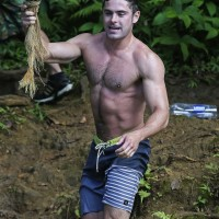zac shirtless 000