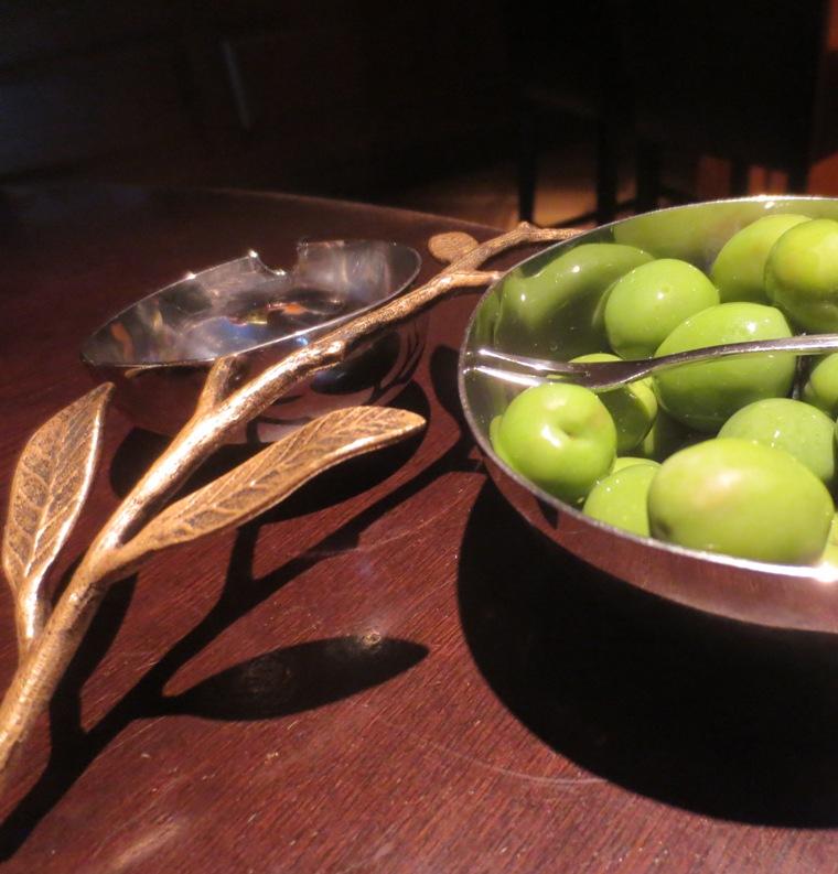 16 olivesnuts1