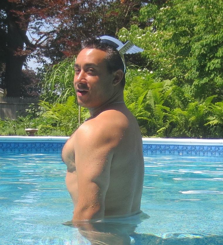 16swimout001