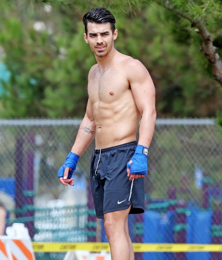 joe jonas shirtll